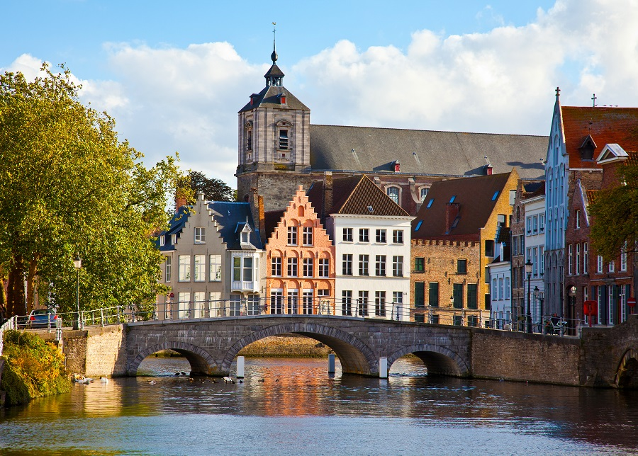 Brujas b lgica la magia medieval web oficial de for Courtrai belgium