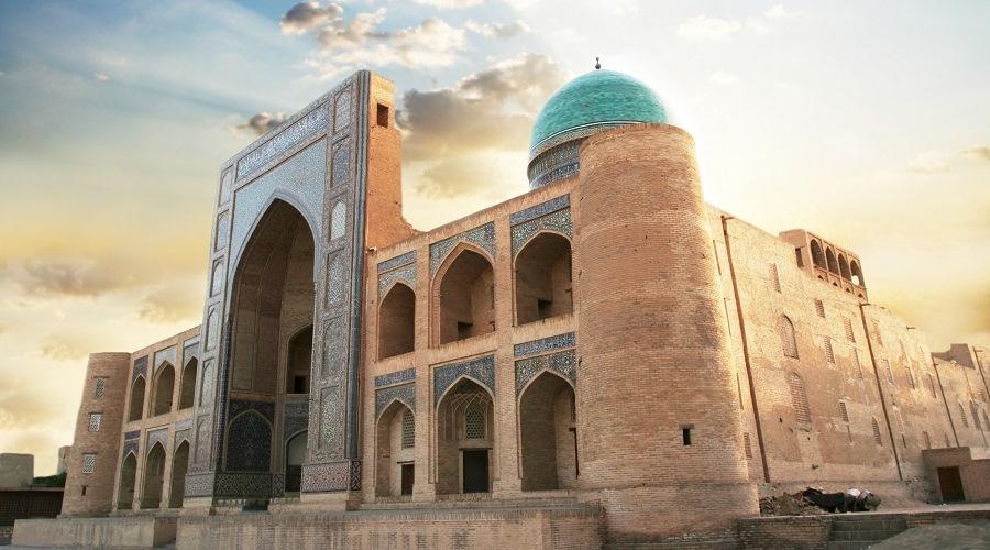 El esplendor de samarcanda uzbekist n panavisi n tours for Samarkanda el tenedor